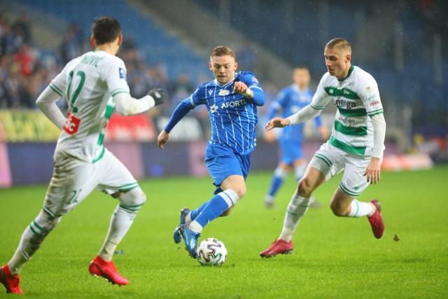 W niedzielę Lech pokonał na Bułgarskiej Lechię 2:0 po golach zdobytych w samej końcówce. Zobacz więcej zdjęć z meczu --->