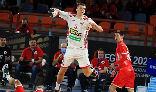 Władysław Kulesz podczas meczu Białoruś - Rosja.