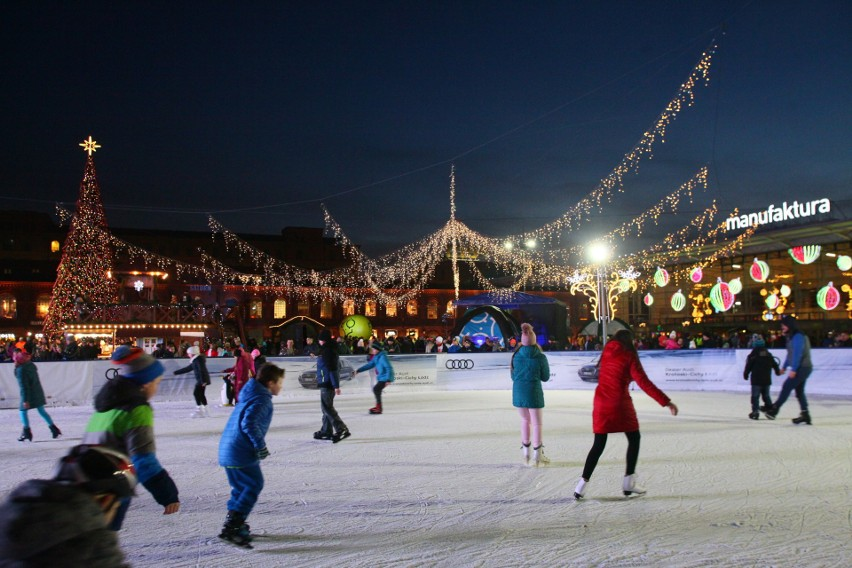 W wielu miejscowościach czynne będą lodowiska, na których będzie można nauczyć się jazdy na łyżwach