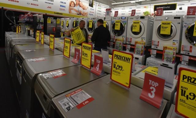 Kupujemy coraz droższy sprzęt AGD. Świadczy o tym rosnąca średnia wartość zamówienia, która w pierwszym kwartale ubiegłego roku wynosiła 1 884 zł, podczas gdy w analogicznym okresie tego roku osiągnęła już poziom 1 990 zł.