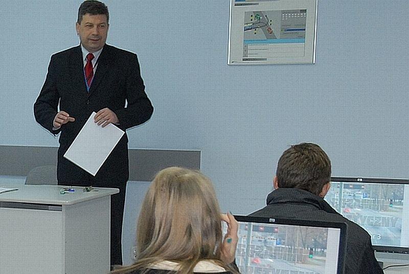 Mirosław Augustyniak, egzaminator nadzorujący, kierownik wydziału egzaminowania w Wojewódzkim Ośrodku Ruchu Drogowego w Ostrołęce