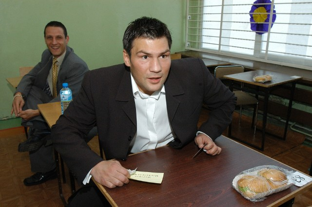 W 2004 roku Dariusz Michalczewski zdawał egzamin dojrzałości w Centrum Kształcenia Ustawicznego im. Stanisława Staszica w Koszalinie.