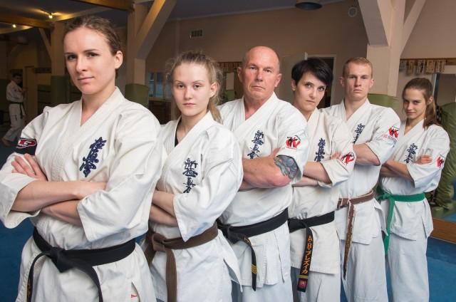 od lewej Agata Winiarska, Natalia Chrzanowska, Jacek Lamot, Anna Bojda, Igor Lamot, Agata Cenkała