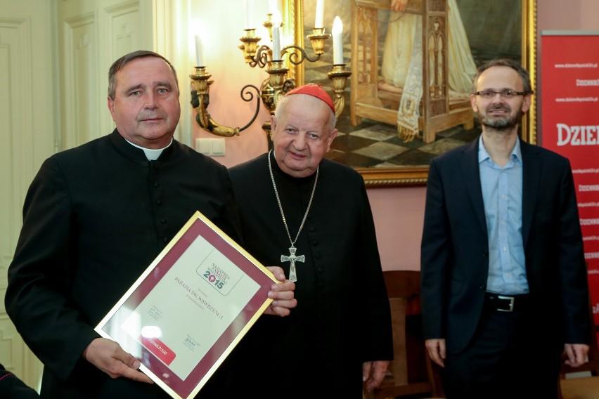 Laureaci plebiscytu na Proboszcza, Wikariusza i Siostrę Zakonną 2015 odebrali statuetki [ZDJĘCIA]