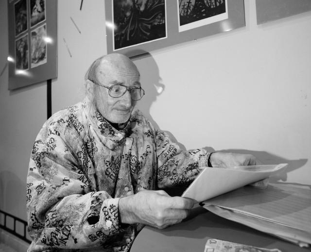 Bogdan Kalinowski był człowiekiem niezwykłej pogody ducha. Filmy, które obejrzał zapisywał przy pomocy specjalnego kodu.