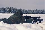 Opolscy instruktorzy szkolili żołnierzy na poligonie w Nowej Dębie w strzelaniu z karabinu maszynowego