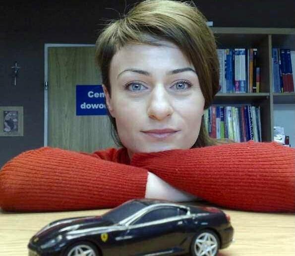 -Kocham samochody. Wiem o nich wiecej, niż niektórzy mężczyżni - mówi Anna Hładka z Gorzowa