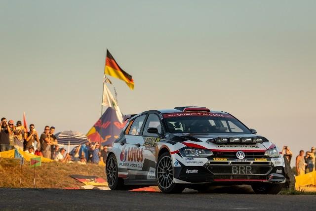Kajetan Kajetanowicz i Maciej Szczepaniak stają na podium Rajdu Niemiec