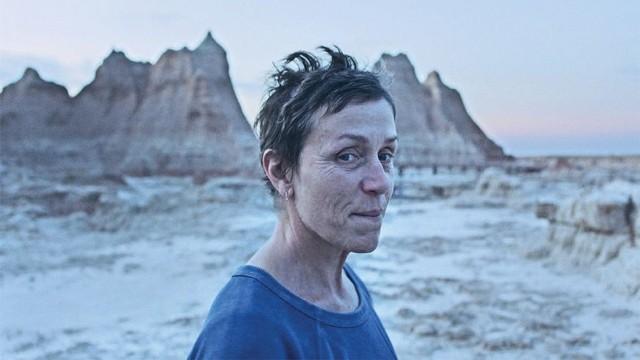 """Frances McDormand (z trzecim Oscarem na koncie!) jako Fern w """"Nomadland"""""""