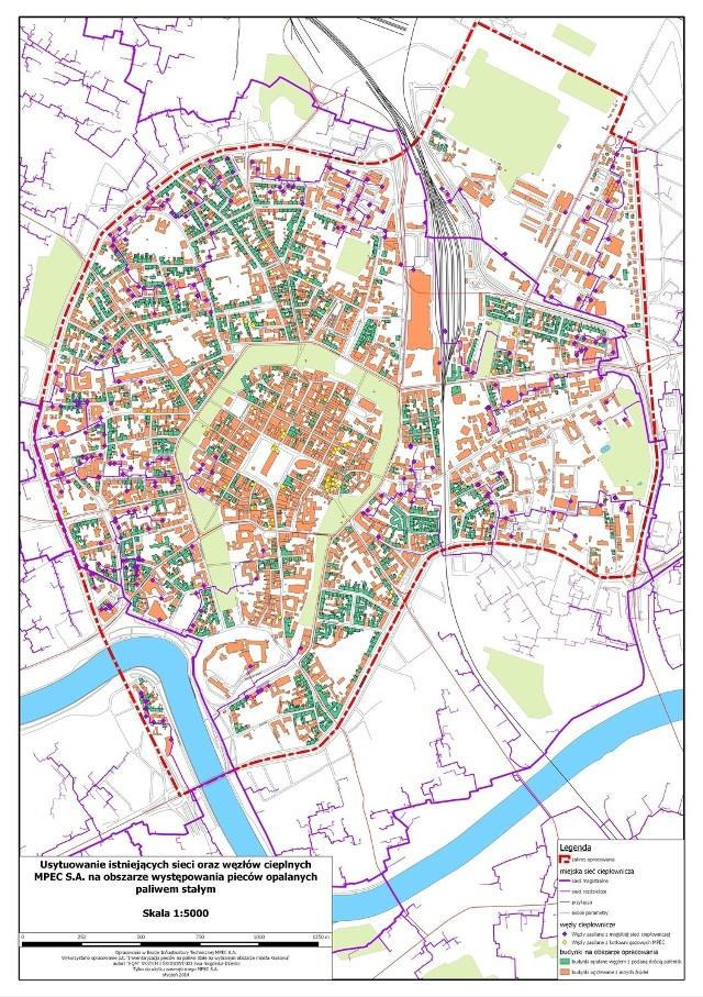 Mapa dostępna na stronie internetowej www.bezpiecni.pl ma pokazać właścicielom domów, w których pali się węglem, jaką mają możliwość podpięcia się do sieci. Pokazuje również, jak dużo rur ciągle brakuje.