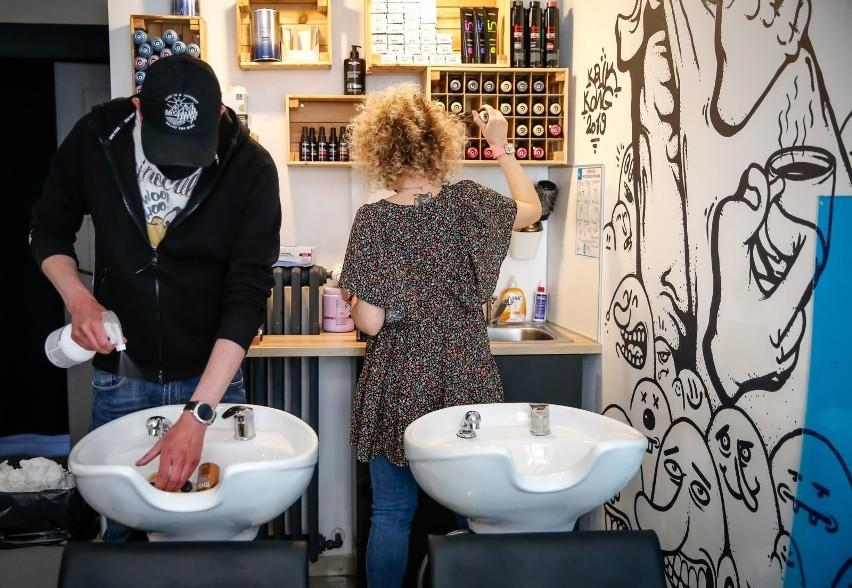Salony fryzjerskie i kosmetyczne będą musiały dostosować...