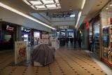Pierwszy dzień nowych obostrzeń. Pustki w poznańskich galeriach handlowych. Zobacz zdjęcia