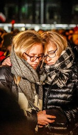 Największe serce świata płonie w hołdzie dla prezydenta Adamowicza w Gdańsku. Żona prezydenta Adamowicza zaapelowała do Jurka Owsiaka