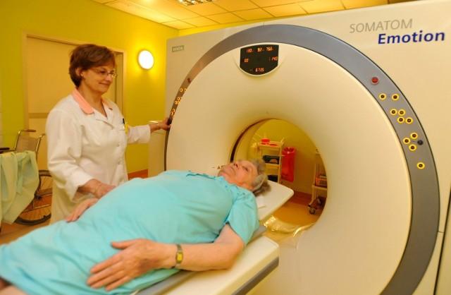Oczekiwanie na badanie na NFZ trwa za długo? Wiele instytucji medycznych we Wrocławiu oferuje wykonanie płatnych badań diagnostycznych. Porównujemy ceny najpopularniejszych – od najprostszych i najtańszych do bardzo specjalistycznych – w kilku placówkach. W niektórych przypadkach różnice w cenach są bardzo duże.Zobacz na kolejnych slajdach porównanie cen badań diagnostycznych