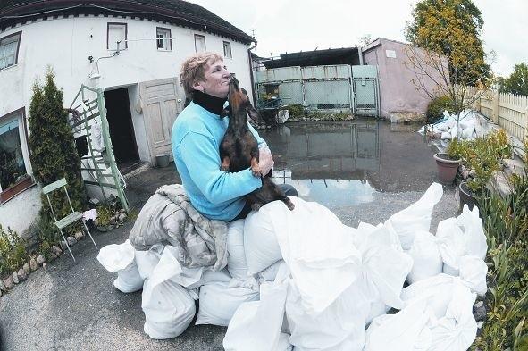 Do domu Jadwigi Feligi z Cigacic woda wdarła się we wtorek.