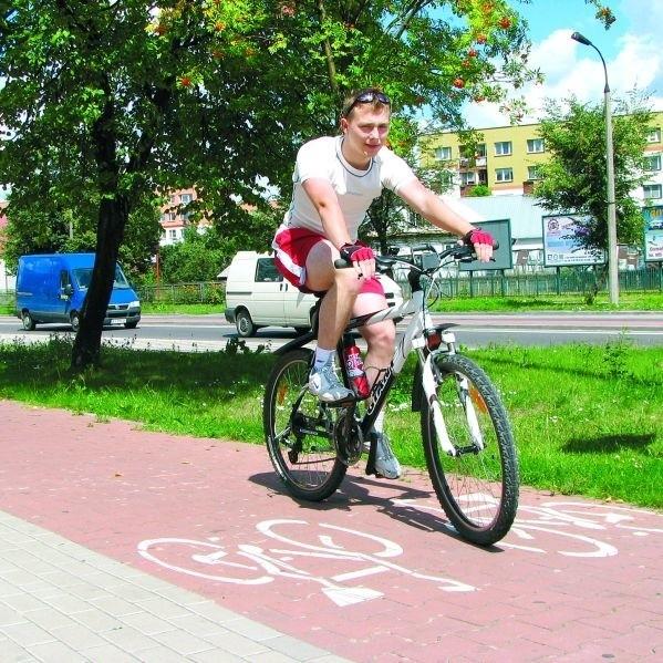 - Powstanie nowych ścieżek w Bielsku ucieszy wszystkich: i sportowców, i jeżdżących rowerem na zakupy - uważa bielszczanin Mariusz Mak