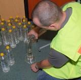 Celnicy i straż graniczna zarekwirowali nielegalny alkohol i olej opałowy