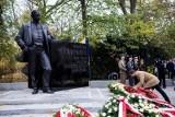 """Pomnik Wojciecha Korfantego w Warszawie zostanie odsłonięty po raz drugi. W końcu trafi na niego hasło """"Syn Ziemi Śląskiej"""""""