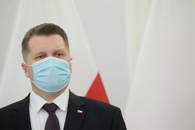 Minister Przemysław Czarnek. Co z egzaminami w 2021 roku i kolejnych latach? Jak będą wyglądać matura i egzamin gimnazjalny.