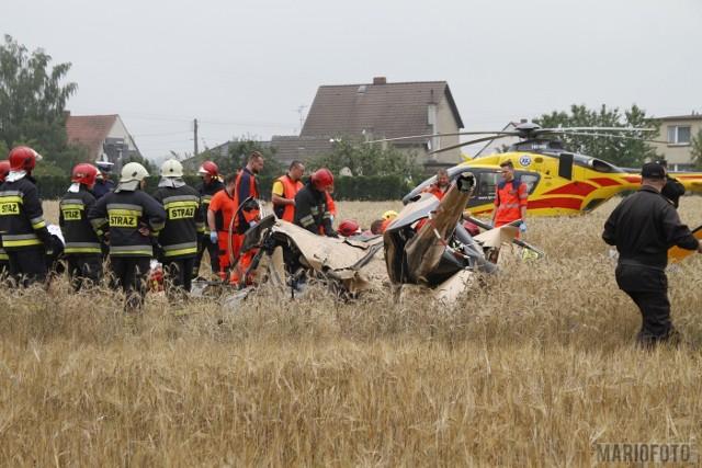 Katastrofa śmigłowca w Domecku pod Opolem. Na miejscu pracuje osiem zastępów straży pożarnej, jest też śmigłowiec Lotniczego Pogotowia Ratunkowego.