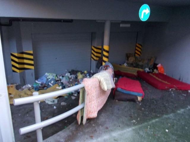 Dzikie wysypiska śmieci w centrum miasta