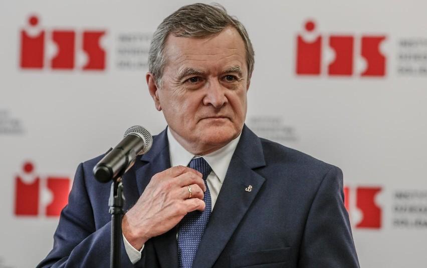 Wicepremier Piotr Gliński na kwarantannie. Czeka na test na obecność koronawirusa