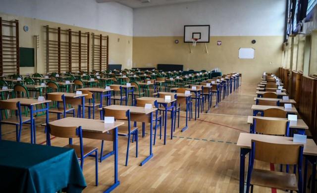 Próbny egzamin ósmoklasisty nie jest obowiązkowy. O przystąpieniu do niego decydują dyrekcje poszczególnych szkół