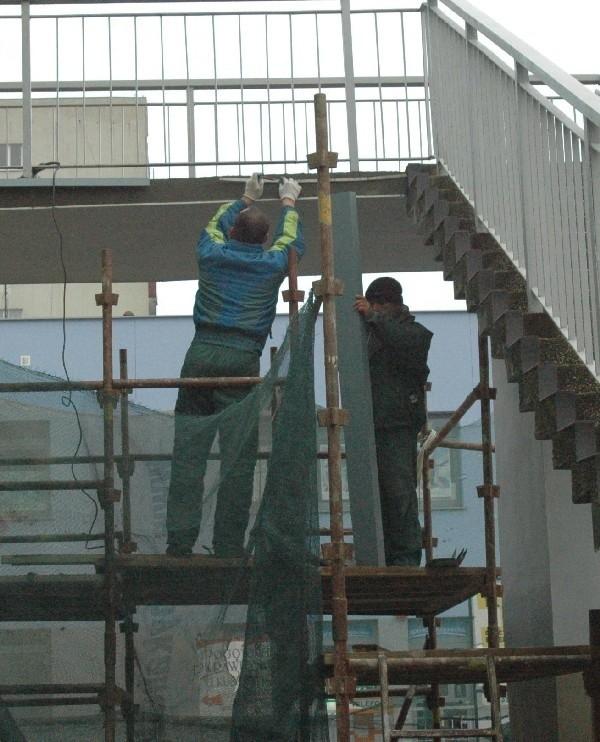 Na Mogadorze przebudowane zostaną także tarasy. Robotnicy mają je poszerzyć, żeby łatwiej można było tamtędy przechodzić.