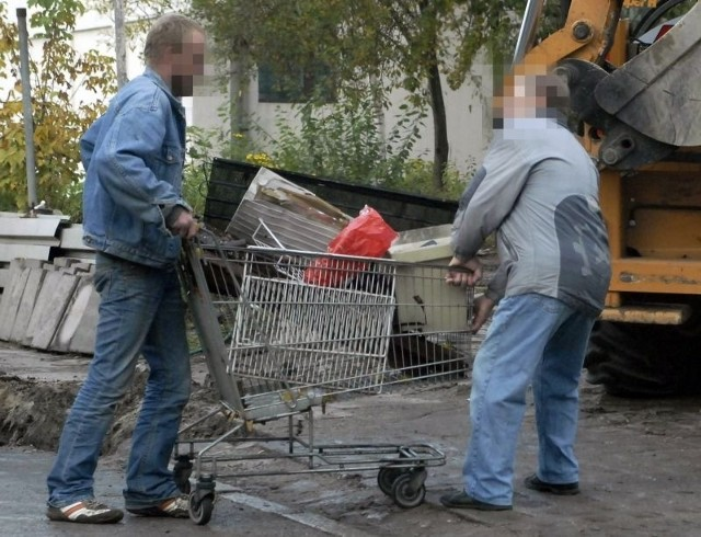 Jak widać, wózek może przydać się nie tylko na zakupach w supermarkecie...