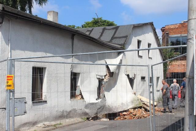 Zawaliła się ściana restauracji Kurna Chata w Tarnowskich Górach. Zobacz kolejne zdjęcia. Przesuwaj zdjęcia w prawo - naciśnij strzałkę lub przycisk NASTĘPNE