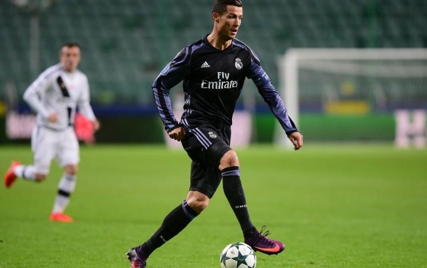 Cristiano Ronaldo i jego koledzy z Realu Madryt są już jedną nogą w ćwierćfinale Ligi Mistrzów. W pierwszym meczu wygrali 3:1 z Napoli. Jak będzie w rewanżu?
