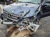 Leszno. Wypadek na zakorkowanej przez objazdy Święciechowskiej. Kierowca dostawczaka wymusił pierwszeństwo [ZDJĘCIA]