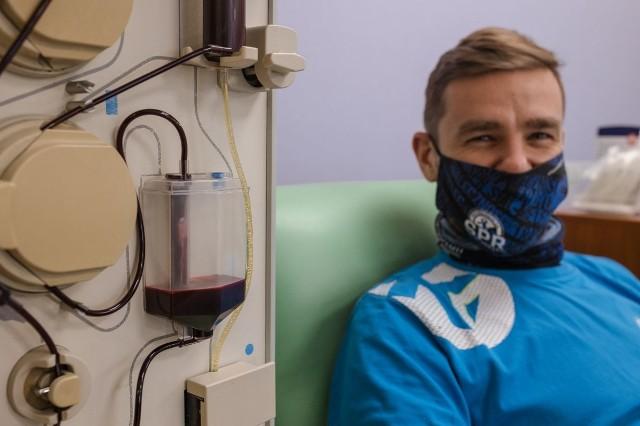 Rafał Krupa, Dzianis Krytski i Tomasz Mochocki to ozdrowieńcy, którzy oddawali osocze dla chorych na COViD