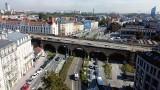 Kraków. Rusza przebudowa wiaduktu kolejowego nad ulicą Grzegórzecką. Prace potrwają do końca 2022 roku. Będą utrudnienia [ZDJĘCIA]