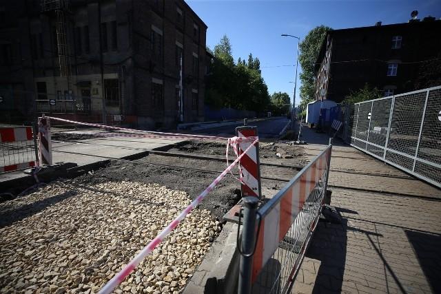Trwa remont ulicy Metalowców w Świętochłowicach.Zobacz kolejne zdjęcia/plansze. Przesuwaj zdjęcia w prawo - naciśnij strzałkę lub przycisk NASTĘPNE