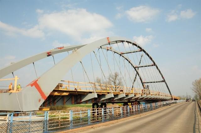 Most ma być gotowy jesienią.