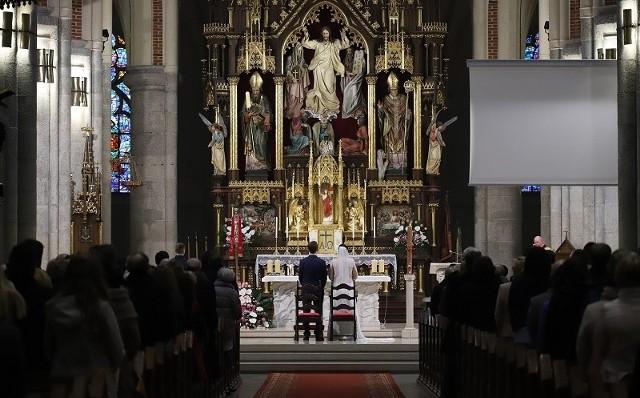 W 2017 r. w diecezji łódzkiej udzielono 3728 ślubów.