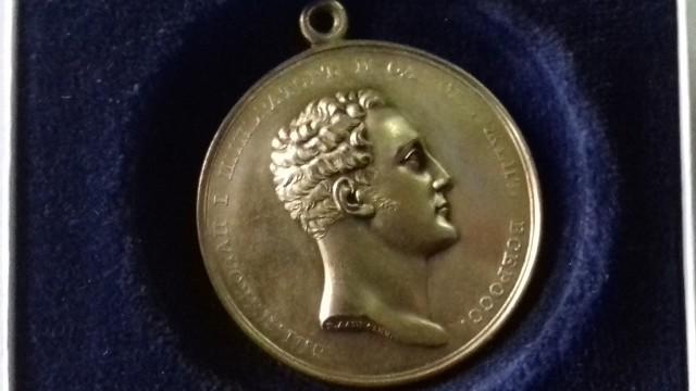 Złoty medal, który w 1846 roku Ludwik Geyer otrzymał od cara Mikołaja I za budowę przemysłu w Łodzi