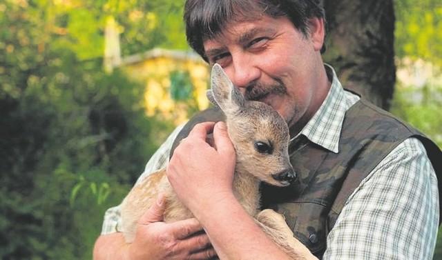 Jacek Wąsiński uważa, że wypadałoby nie tylko chwalić się w folderach ziemią żywiecką i bogactwem przyrody, ale gdy jest potrzeba, to tej przyrodzie pomóc, np. wspierając Leśne Pogotowie