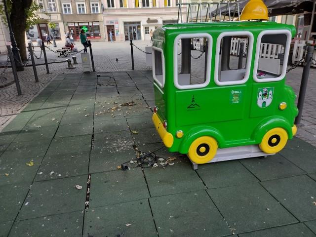 """Nie ma już zabawek w """"Strefie Zabaw"""" dla dzieci pod zielonogórskim ratuszem"""