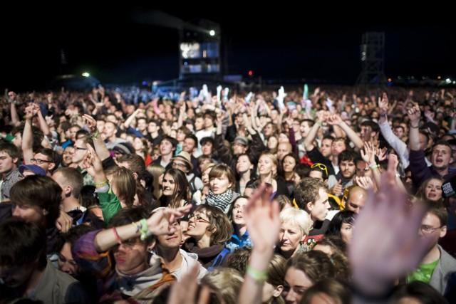 Jakie koncerty w 2016 roku będziemy mogli zobaczyć w Trójmieście? Sprawdź kalendarz wydarzeń muzycznych w Gdańsku, Gdyni i Sopocie, już dziś zarezerwuj bilety!KONCERTY 2016 TRÓJMIASTO - KALENDARZ IMPREZ