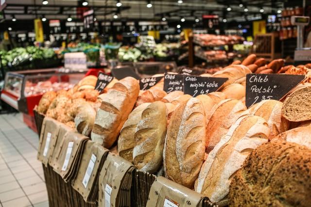 Wśród najbardziej popularnych artykułów żywnościowych nadal silnie drożeje pieczywo, za które w marcu trzeba było płacić o 9,6 proc. więcej niż przed rokiem.
