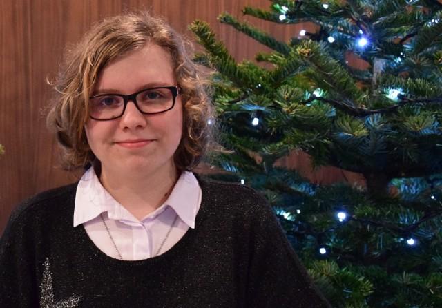 Gabriela Matkowska ma 14 lat, uczy się w Publicznym Gimnazjum im. Jana Pawła II w Zespole Szkół w Małomicach.