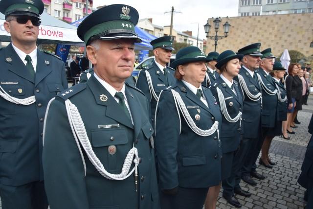 Na służby skarbowe w Lubuskiem składają się m.in. Urząd Skarbowy w Gorzowie i Urząd Celno-Skarbowy w Gorzowie. W Zielonej Górze są m.in. dwa urzędy skarbowe i siedziba Izby Administracji Skarbowej.