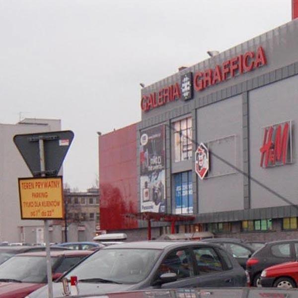 Przy Galerii Graffice w Rzeszowie brakuje miejsc parkingowych