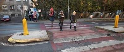 Tylko w tym roku na przejściach dla pieszych doszło już do ponad 170 wypadków FOT. JOANNA URBANIEC