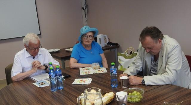 Seniorzy z  Miejskiej Rady Seniorów zgodnie stwierdzili, że pomimo chęci współpracy z władzami Białegostoku i podejmowania wielu prób w tym zakresie, nie było takiej możliwości
