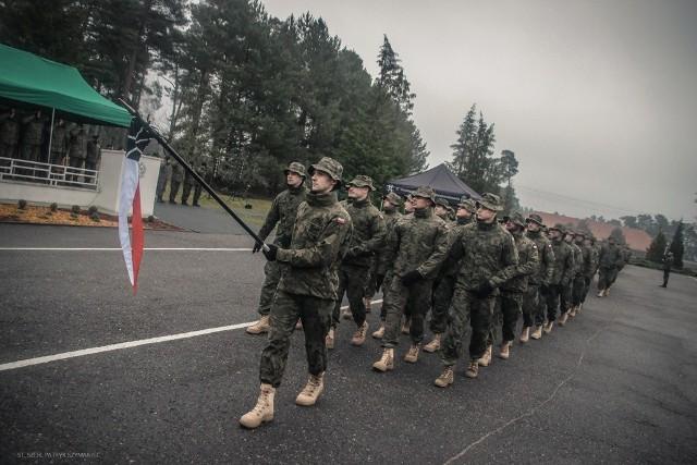 PKW Rumunia podporządkowana jest wielonarodowej batalionowej grupie bojowej wchodzącej w skład  rumuńskiej 2 Brygady Piechoty. Polski kontyngent w zdecydowanej większości tworzą żołnierze 17 Wielkopolskiej Brygady Zmechanizowanej z Międzyrzecza, a uzupełniają ich specjaliści z innych jednostek wojskowych oraz instytucji (głównie 10 Brygada Logistyczna oraz 11 Batalion Dowodzenia).