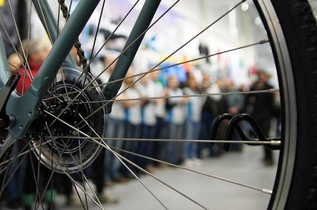 Wadliwe rowery z Decathlonu. Korzystanie z nich jest niebezpieczne. Sklep prowadzi akcję informacyjną. Jeśli posiadasz taki rower, powinieneś go zwrócić do sklepu. Dostaniesz nowy.