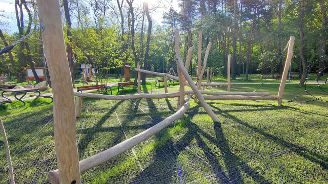 Tak w maju wygląda nowy park Podlesie w Dąbrowie Górniczej Zobacz kolejne zdjęcia/plansze. Przesuwaj zdjęcia w prawo - naciśnij strzałkę lub przycisk NASTĘPNE